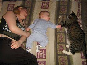мама, я и моя игрушка!