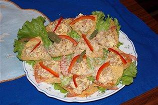 Кукурузные тарталетки с салатом 'Разгрузочный день у холодильника'