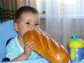 хоть хлебушка дали -  и то ладно!