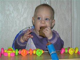 Фотоконкурс 'Крошка с ложкой' 'Ну когда ж у меня наконец-то зубы появятся?!!'