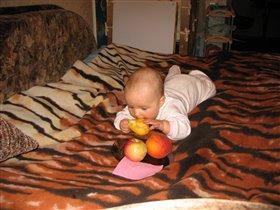 Персик - фрукт экзотический, а груша все равно вкуснее!