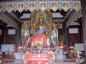 В буддстском парке НаньШань