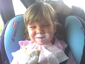 Мороженое в машине - это святое!))