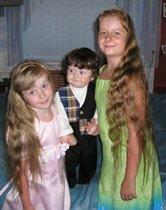 Наши детульки:Анна(почти 7),Артемий(ровно год),Дарья(10,5)