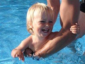 Я плыву!!!  Ах, ле-е-е-то!