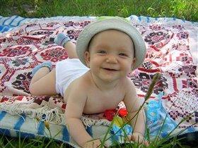 Я на солнышке лежу, я травиночки жую......