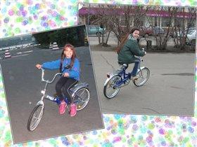Любит Даша погонять на велосипеде