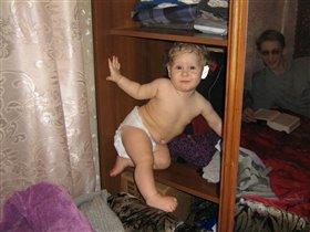Девочка из шкафа :)