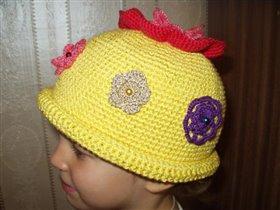 А это шапочка для Юляши,  называется « чтобы лето не кончалось»