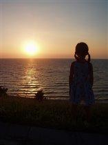 Девочка и закат.