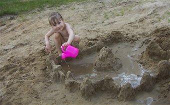 А я построю на песке огромный - дивный, чудный город...