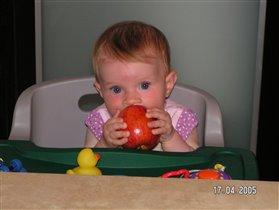 Мы червячки - мы очень любим яблочки