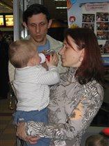Кирюша с папой и мамой