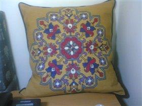 Подушка большая с цветами