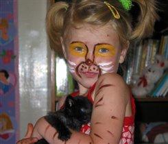 Киска с котенком