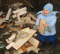 Еще немного дров и домик готов