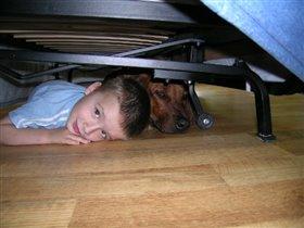 Все секреты под диваном!
