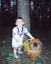 На пргулке с любимой собакой.
