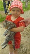 Настенька и котёнок!