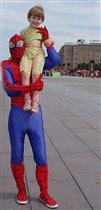 Человее-паук и Я-- большие друзья