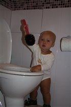 унитаз тоже надо кому-то чистить!