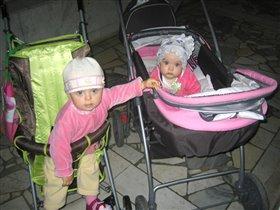 Подружки Алиса и Лия