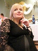 Красивая большая мама))
