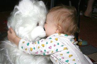 Белый мишка..не оставит равнодушным..