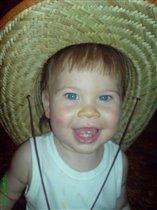 Оооо! Эта шляпа мне к лицу.