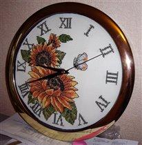 часы с подсолнухами