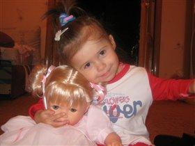 Полинка и кукла Алинка