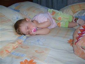 спящие дети.