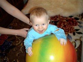 Мальчик на шаре )