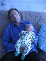 Пусть папочка поспит.
