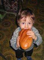 И хлеба краюха вся мне целиком...