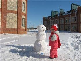Снеговик и снегурочка...