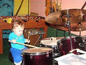 начинающий барабанщик