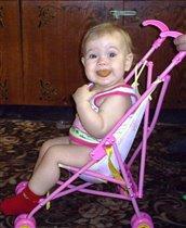 Лада на кукленой  коляске