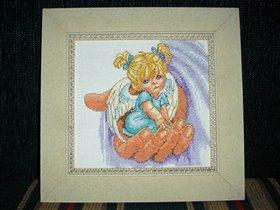 Ангелочек на руке