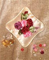 вышивка лентами  (подушечка ароматная ) - подарок сестре