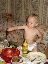 День Рождения папы после ухода гостей. Семён 1,5 года.