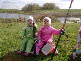 Приехали рыбу ловить.....а тут еще и утки летят !!!