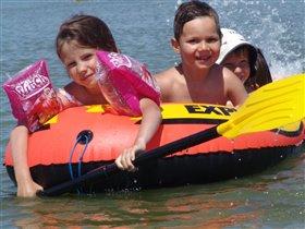 девушка с веслом и два капитана