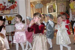 Праздник осени в детскм саду