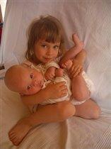 две сестры, два создания нежных...