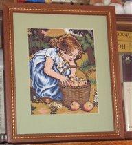 девочка с яблоками.