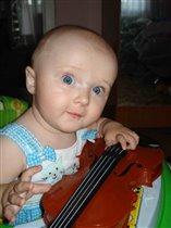 А хотите я вам сама сыграю?