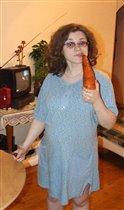 Сейчас будем маленького зайчика в животике кормить большой морковкой!