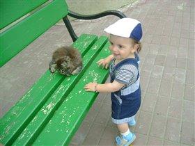 мама возьмём котёночка  домой!