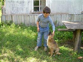 Друг Рекс. Это он в прошлом году был тем маленьким щеночком.